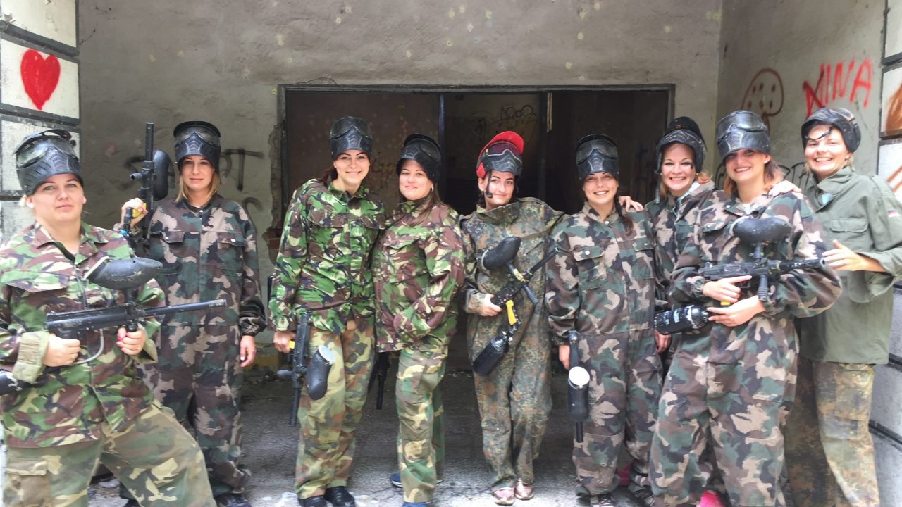 lánybúcsús paintball